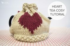 Heart Tea Cosy tutorial - FREE knitting pattern for Valentines Day on LoveKnitting