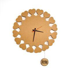 Disñeo ecológico. Reloj corazones