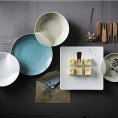 Rosenthal - Rosenthal Mesh Speiseteller Ø21cm - creme/glänzend/mikrowellengeeignet Urban Furniture, Furniture Design, Cereal Bowls, Dinnerware, Designer, Table Settings, Porcelain, Delicate, Mesh