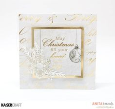 christmas mini By Anita Bownds Kaisercraft Glisten Christmas Mini Albums, Christmas Gift Bags, Christmas Minis, Christmas Photos, Christmas Crafts, Christmas Scrapbook Layouts, New Year Card, Crafty Projects, Xmas Cards