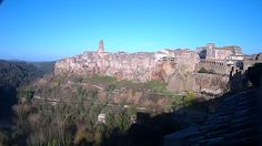 Pitigliano - Italy Live webcams City View Weather - Euro City Cam