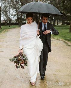 """Plata.Forma on Instagram: """"La boda de Belén y Álvaro en Vogue.es ✨"""" Winter Wedding Inspiration, Vogue, Instagram, Wedges, Wedding, En Vogue"""