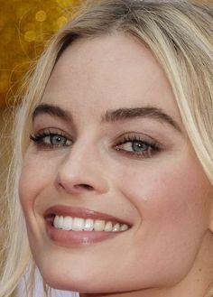 Margot Robbie promuje film w Australii Margot Elise Robbie, Actress Margot Robbie, Margo Robbie, Margot Robbie Harley, Hollywood Divas, Hollywood Actresses, Celebrity Makeup, Celebrity Crush, Beautiful Smile