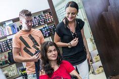 V kaderníckom salóne PIEROT v Poluse upravili jej kvalitné, husté vlasy do pohodlného  a moderného účesu a oživili farbu i strih.