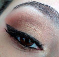 http://blogmaquilha-te.blogspot.pt/2013/05/30-days-makeup-challenge-day-11-smokey.html