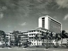 Manila Hotel by Leandro Locsin Philippine Architecture, Art And Architecture, Manila, Philippine Art, Philippines Culture, American War, Brutalist, Willis Tower, History