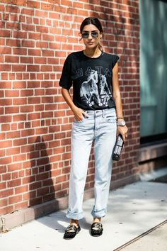 Street style à la Fashion Week printemps-été 2017 de New York : t-shirt rock…