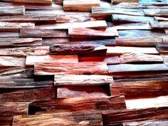houten wandbekleding wandpaneel history mooie robuuste wand met uniek teakhout van woodindusries