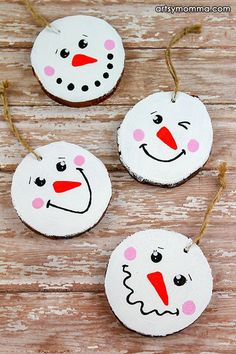 How to make painted Wood Slice Snowman Ornamets - Cute Christmas Craft For Tweens #christmascrafts #diyornaments #craftsforkids #artsymommadotcom