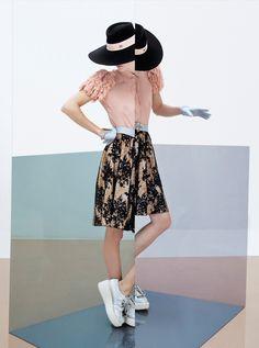 houseofbourbon:  Masha Novoselova photographed by Damien Blottiere for L'Express Styles.