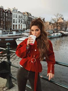 Take a look at 41 casual winter outfits for women that you can totally copy in the photos below and get ideas for your own cold weather outfits. Fashion Mode, Look Fashion, Fashion Outfits, Womens Fashion, Casual Winter Outfits, Spring Outfits, Fall Looks, Looks Cool, Classy Outfit