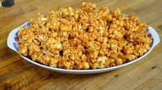 Butterscotch Popcorn Crunch- Shiny, crunchy, and full of butterscotch flavor. This homemade version of caramel corn is a winner! Fall Recipes, Holiday Recipes, Popcorn Recipes, Flavored Popcorn, Wheat Free Baking, Sweet Popcorn, Gluten Free Snacks, Homemade Candies, Macaroni And Cheese