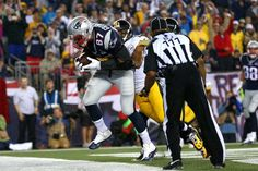 FOXBORO, MA - SEPTEMBER 10: Rob Gronkowski #87 of the New England Patriots makes a catch for his second touchdown of the game in the second quarter against Mike Mitchell #23 of the Pittsburgh Steelers at Gillette Stadium on September 10, 2015 in Foxboro, Massachusetts. (Photo by Jim Rogash/Getty Images)