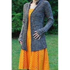 Ravelry: Ink cardigan pattern by Hanna Maciejewska Knit Cardigan, Cardigan Pattern, Long Cardigan, Knitting Projects, Pulls, Hand Knitting, Knit Crochet, Crochet Pattern, Free Pattern