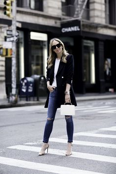 Blazer: Zara | Denim: Rag & Bone | Tee: Rag & Bone | Shoes: Schutz | Cuff: Hermes | Bag: Mark Cross It's only when you wake up at 5AM to get to Soho by 7AM, that you'll find the streets mostly empty. I've never been much of a morning person until I became aRead More
