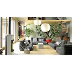 Cool ideas for the home. This Stunning living room with pure grey concrete style, who said concrete furniture can't be sexy Retro Coffee Tables, Low Coffee Table, Living Room Modern, Living Room Designs, Vintage Furniture, Furniture Design, Concrete Coffee Table, Cool Tables, Side Tables