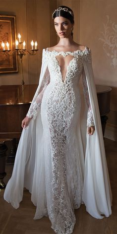 [Looks kind of like the Evil Queen in a fairy tale.] Best Wedding Dresses of 2014