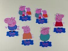 Apliques no tema da Peppa Pig personalizados com nome e idade do(a) aniversariante. Esses apliques ficam lindos na decoração de tubetes, garrafinhas, lembrancinhas, caixinhas e sacolinhas. Festa Peppa Pig