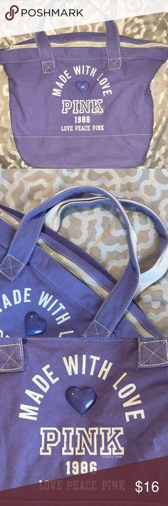 Victoria Secret weekend getaway bag! 💜💜 EUC Smoke free home Perfect for a long weekend bag White zipper PINK Victoria's Secret Bags Travel Bags