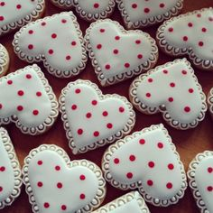 polka dot heart cookies with lace frosting details so sweet - Decorated Valentine Cookies