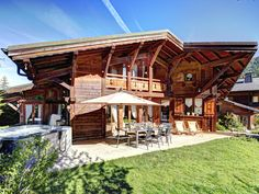 Spacious Morzine chalet close to lifts, ski bus, bars and restaurants - sleeps 17. Large garden, jacuzzi, pool room. Geneva airport 1hr15