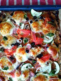 Kuchnia moją przyjaciółką: Pizza na kalafiorowym spodzie z nasionami chia Vegetable Pizza, Potato Salad, Potatoes, Meat, Chicken, Vegetables, Ethnic Recipes, Food, Potato