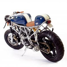 Italian Sniper Cafe Racer by Maria Motorcycles //