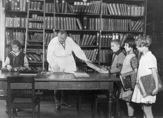 30 Vintage Photos of People in Libraries | Mental Floss  #CCSDTech