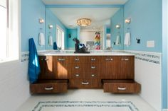 Lovely Bathroom Design with Wooden Cabinets