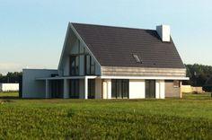 Een modern huis betekent niet direct een plat dak. Deze Monte Viso heeft een modern uiterlijk. De langgerekte raampartijen geven veel licht. De extra grote dakoverstek die schuin afloopt geeft het huis een extra eigentijds karakter.
