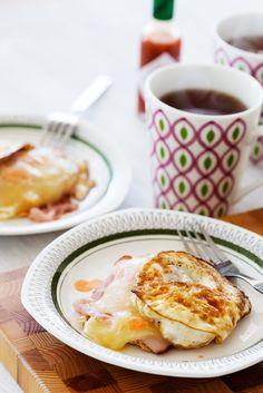 No-Bread Keto Breakfast Sandwich