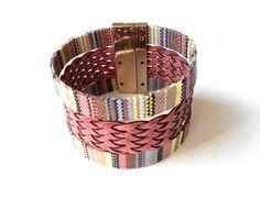 ΒΡΑΧΙΟΛΙ ΜΕ ΥΦΑΣΜΑ & ΔΕΡΜΑ. Wicker Baskets, Bracelets, Home Decor, Decoration Home, Room Decor, Bracelet, Home Interior Design, Arm Bracelets, Bangle
