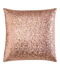 For a touch of glamour and bling why not get a Pink sequin cushion cover - H&M Rose Gold And Grey Bedroom, Rose Gold Rooms, Blush Bedroom, Pink Bedroom Decor, Rose Gold Decor, Bedroom Ideas, Dream Bedroom, Master Bedroom, Home Decor Ideas