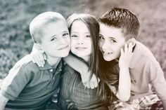 2 boys and a girl photo of three kids one girl and two boys in black and wh Sibling Photography Poses, Sibling Photo Shoots, Sister Photography, Sibling Photos, Toddler Photography, Family Posing, Family Portraits, Family Photos, Sister Pictures