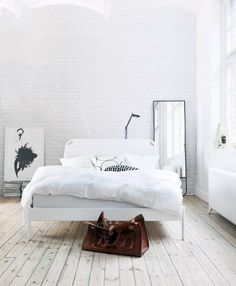 White Bedroom//