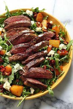 Arugula Skirt Steak Salad: Steak can totally be a light meal.