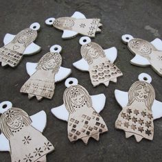 Ceramic angels click now for more. Clay Christmas Decorations, Christmas Crafts, Christmas Ornaments, Fimo Clay, Ceramic Clay, Paper Clay, Clay Art, Clay Projects, Clay Crafts