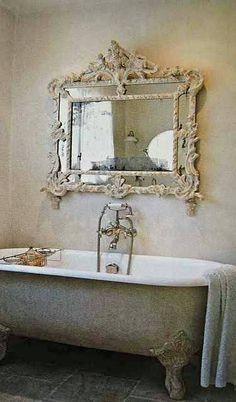Old fashioned Bathtub & mirror