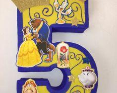 number 5 beauty princess pinata. beauty piñata. Snowwhite birthday party. Snowwhite decoration.