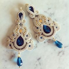 LaviBijoux) | Iconosquare Boho Jewelry, Jewelry Crafts, Beaded Jewelry, Jewelry Design, Fashion Jewelry, Soutache Pendant, Soutache Necklace, Beaded Earrings, Soutache Tutorial