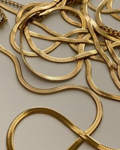 Simple Jewelry, Gold Jewelry, Gold Necklace, Herringbone Necklace, Indian Jewelry, Bracelets, Necklaces, Bling, Pendants