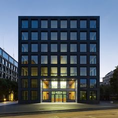 Edifício Comercial Herostrasse / Max Dudler