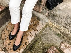 From last weekend at the countryside, taking a nice stroll at one of the nearby towns. I am wearing a white o white outfit with black accents and flats instead of sandals due to the rain. Black Accents, White Outfits, Chanel Ballet Flats, The Row, Take That, Jeans, Summer, T Shirt, How To Wear