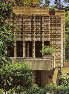 Frank Lloyd Wright, The Millard House (La Miniatura), 1926, Pasadena, California.