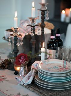 love the candles and greengate Nordic Interior, Interior Styling, Style At Home, Take You Home, Centerpieces, Table Decorations, Youre Invited, Candlesticks, Home And Living