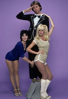 Three's Company: John Ritter, Joyce DeWitt and Suzanne Somers - 1979 Suzanne Somers, Old Tv Shows, Movies And Tv Shows, John Ritter, Three's Company, Marilyn Monroe Photos, Vintage Tv, Vintage Style, Female Stars