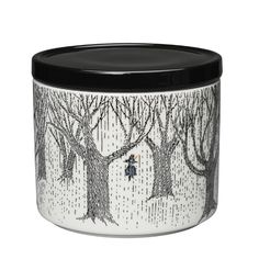 Available for pre-order. Delivery mid-October. 'True to its origins' is the new Moomin jar, released in Autumn 2017. This mug is part of a series of porcelain products that reflect Tove Jansson's own journey through life. She wrote her last Moomin book late in November, shortly after her mother died....
