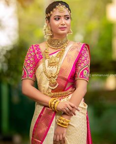All The Bold & Beautiful Bridal Jewellery Inspirations are Here Wedding Saree Blouse Designs, Silk Saree Blouse Designs, Wedding Sarees, Wedding Veils, Blouse Patterns, Boho Wedding, Wedding Hair, Bridal Hair, Indian Bridal Outfits