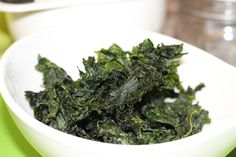 A Crafty Gourmet: How to Make the Best Kale Chips Ever!