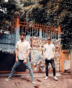 The Chainsmokers Wallpaper, Andrew Taggart, Aly And Fila, Alesso, Armin Van Buuren, Charlie Puth, Photography Poses For Men, Prince Charming, Edm